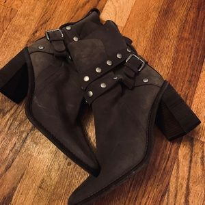 Seeby Chloe suede Janis boots
